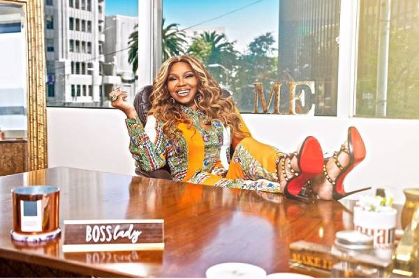 Mona Scott-Young income