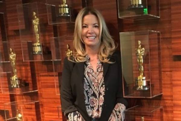 Jeanie Buss Net Worth - Salary And Earnings Of The ...